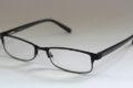 Gleitsichtbrille anfertigen lassen – Online oder vom Optiker?